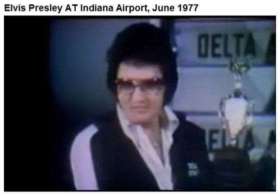 Elvis Indianapolis June 26, 1977 wearing DEA jogging suit 2nd