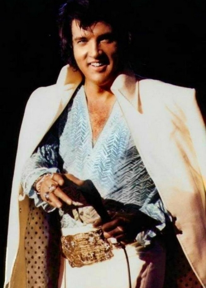 Photo of Elvis with sweet smile